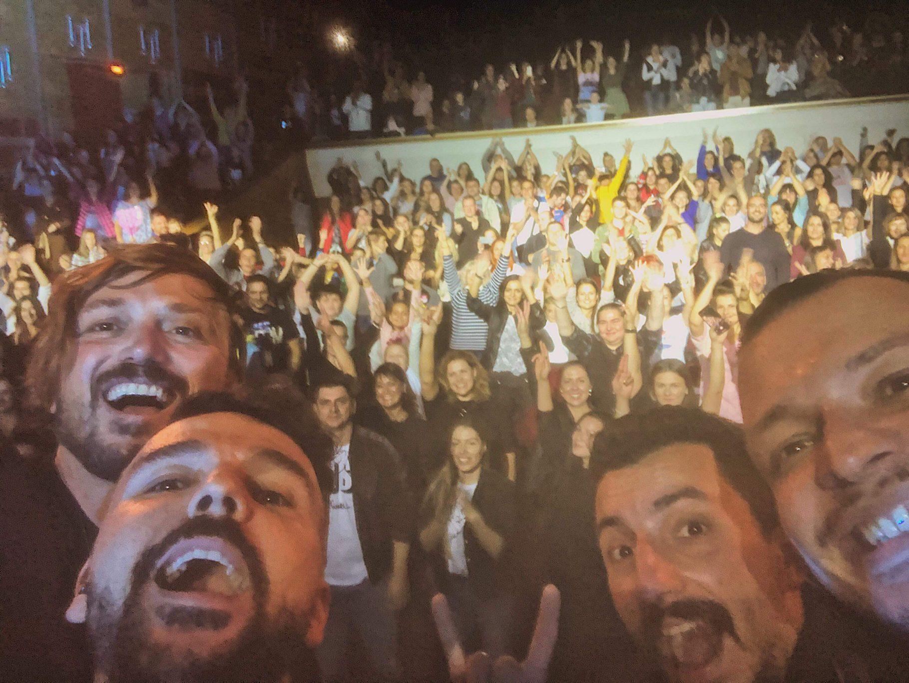 Графа препълни залите в шест български града